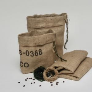 4teiliges Verpackungsset für Geschenke aus Kaffeesack